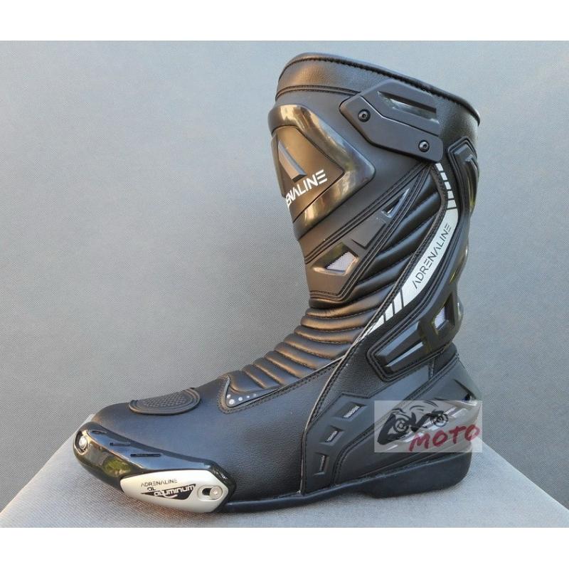 www.LVMOTO.sk venuje čižmy Adrenaline PRO RACE v hodnote 145 eur