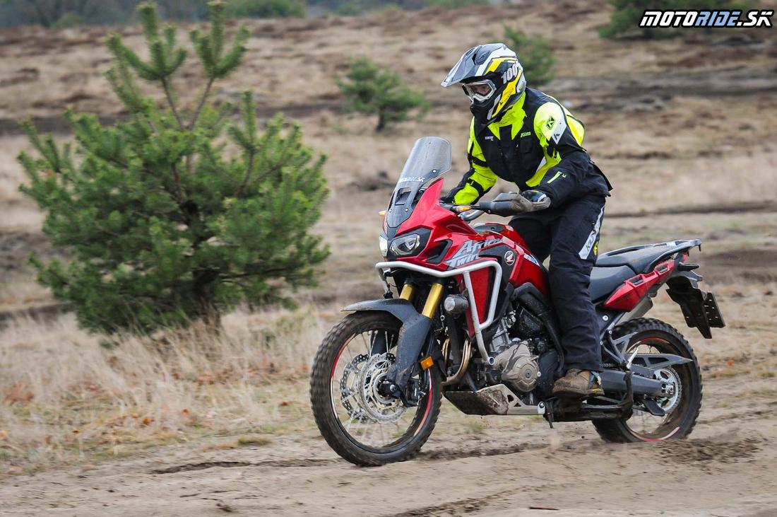 Honda CRF1000L Africa Twin DCT 2017 v piesku