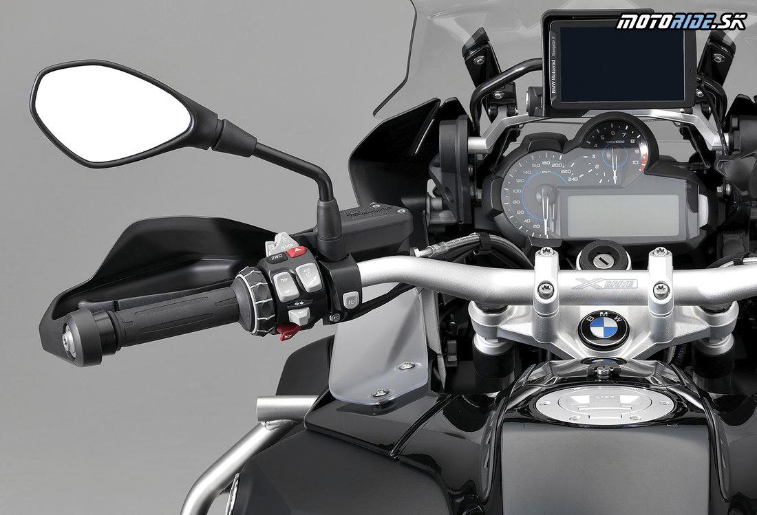 BMW R 1200 GS xDrive Hybrid - 2WD tlačidlo na ľavej rukoväti