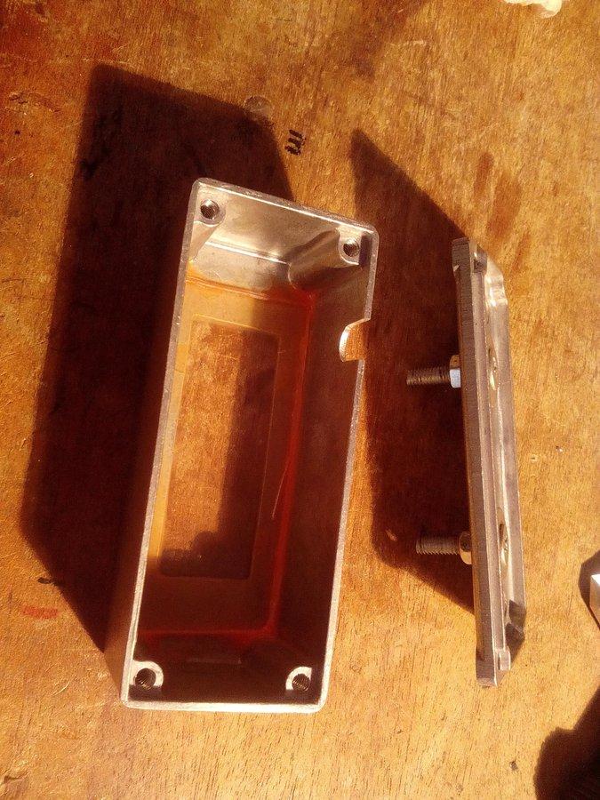 Úprava krabičky a montáž - Arduino tripmaster