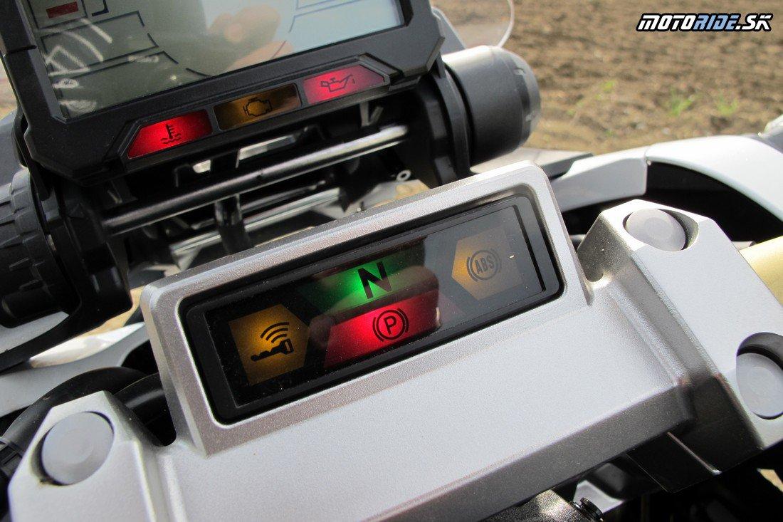 Prvá jazda na nezvyčajnom hybride Honda X-ADV