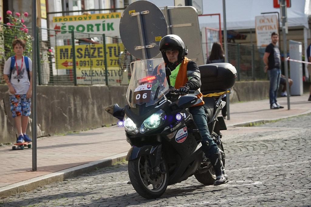 najsilnejšia motorka v kolóne (© Jaroslav Maliňák, C-I.sk)