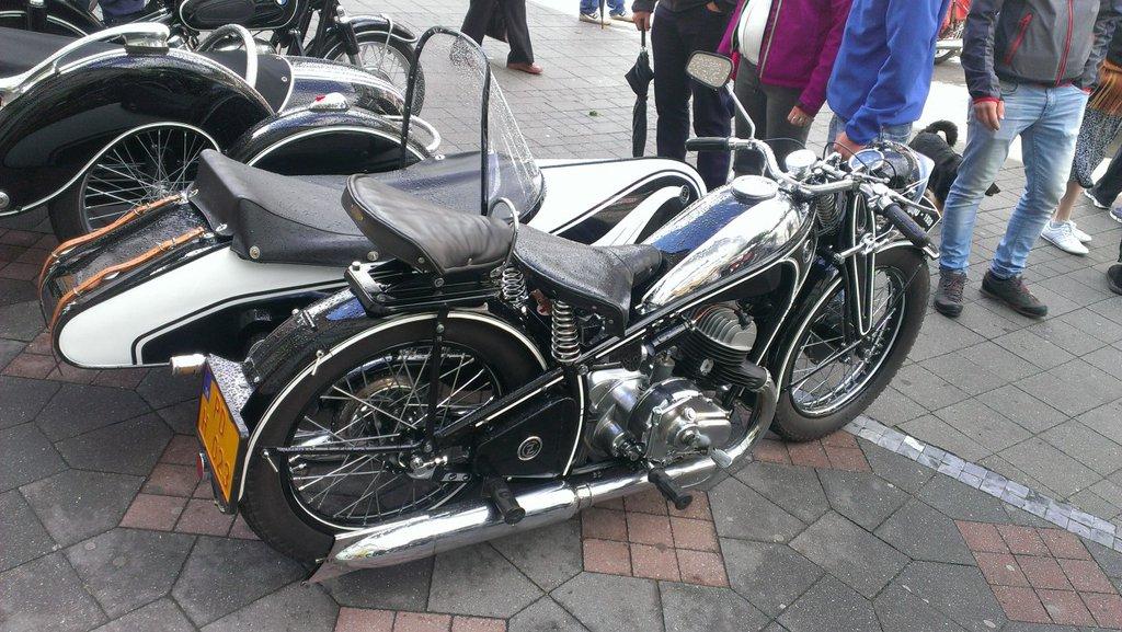 ČZ 500