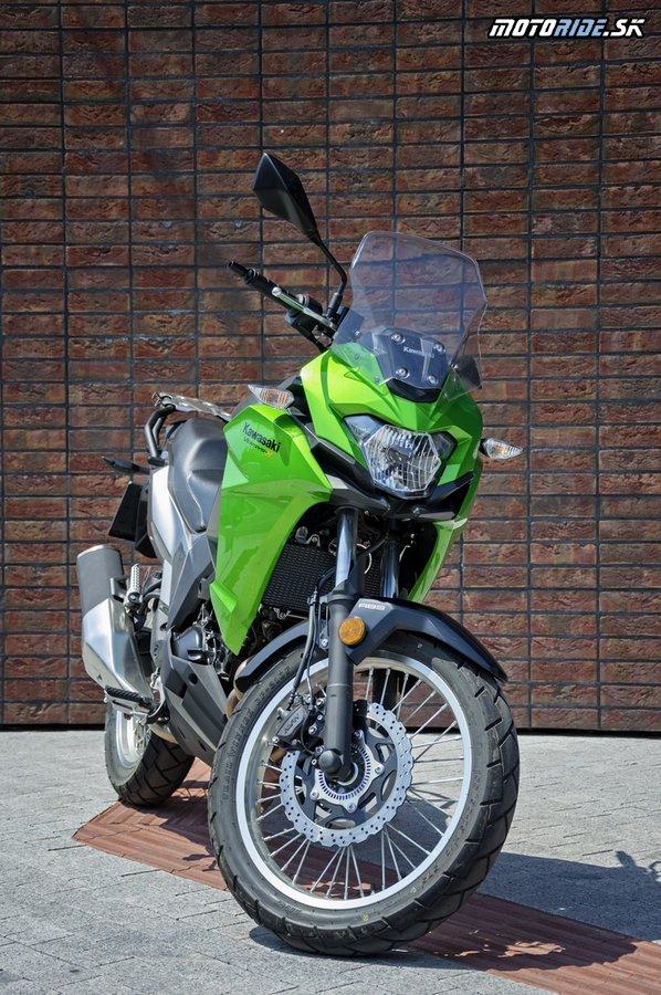 Otestovali sme univerzálneho pracanta Kawasaki Versys-X 300