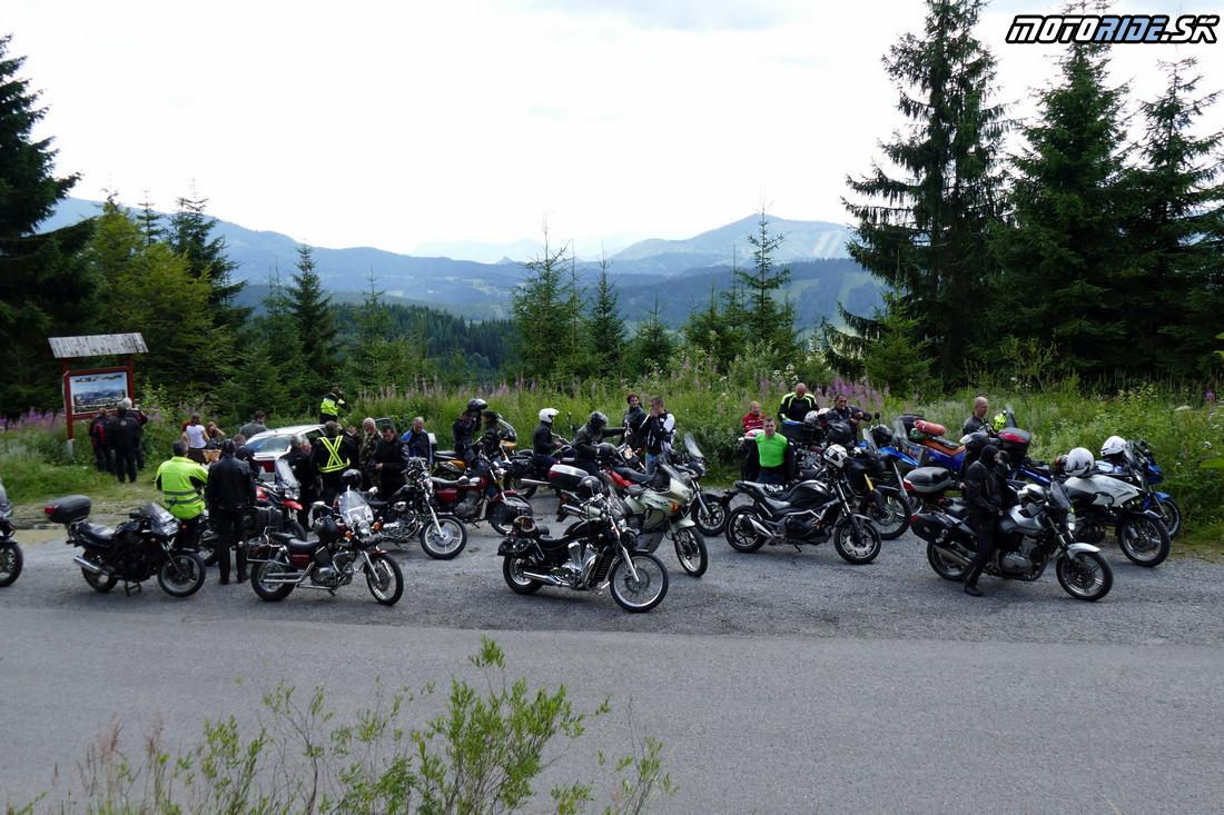 Vyhliadka z cesty do Oravskej Lesnej - 14. Stretnutie motoride-ákov 2017, Kláštor pod Znievom