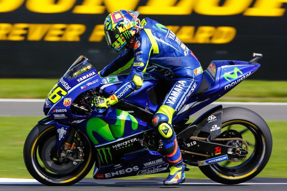 MotoGP 2017 - VC Veľkej Británie - Rossi išiel neuveriteľne, vyhral však opäť Dovizioso