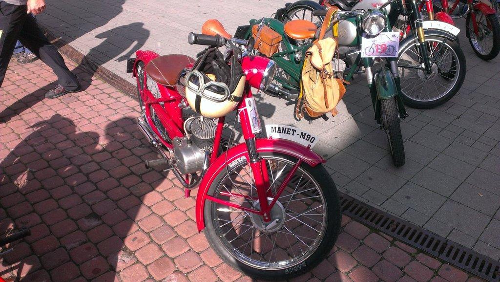 Manet M 90