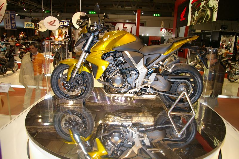 Miláno 2007 - CB1000R