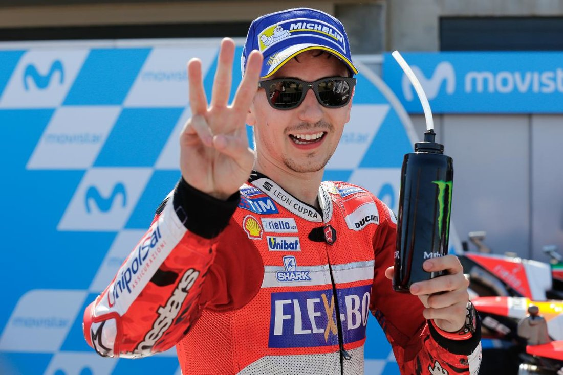 MotoGP 2017 - VC Aragónu - v Španielsku traja Španieli na debni, Rossi so zlomenou nohou piaty