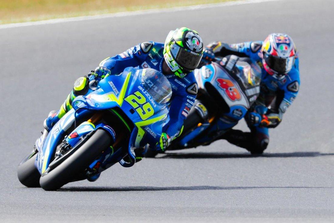 MotoGP 2017 - VC Austrálie - Marquez vyhráva a uteká Doviziosovi, Rossi druhý