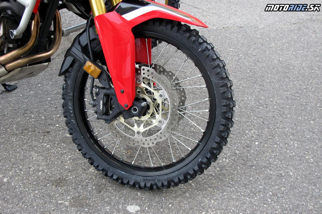 Vyskúšame aj Mitas MC23 Rockrider - Africa Twin Tunisia Adventure - by motoride.sk