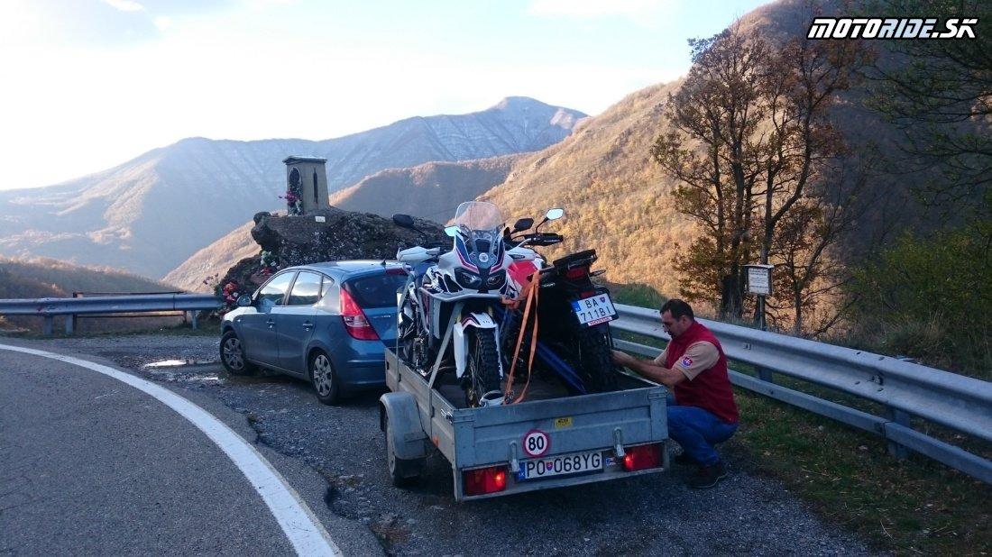 Dobré ráno, pozdravujeme z pohoria Apeniny - Naživo: Na Afrikách do Afriky - Africa Twin Tunisia Adventure