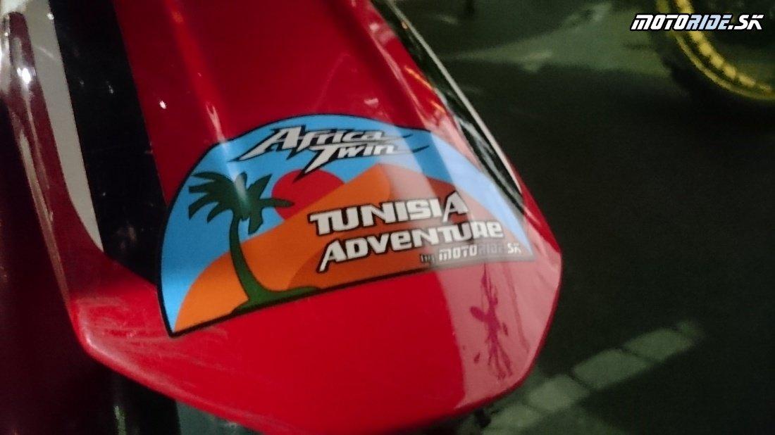 Naloďujeme sa - zbohom Európa v diaľke Afrika ;-) - Naživo: Na Afrikách do Afriky - Africa Twin Tunisia Adventure