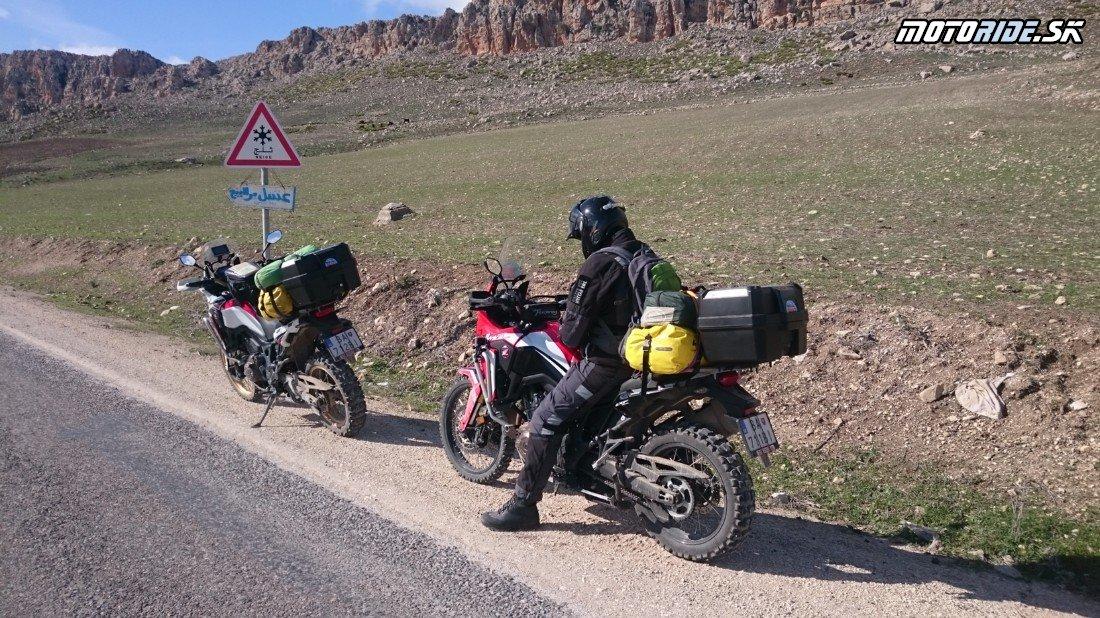 Bulla Regia a horská cesta do Le Kef - Naživo: Na Afrikách do Afriky - Africa Twin Tunisia Adventure