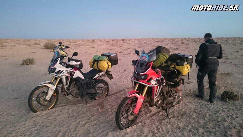 20.11.2017 08:32 - Naživo: Na Afrikách do Afriky - Africa Twin Tunisia Adventure