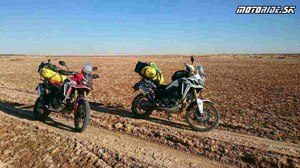 20.11.2017 12:58 - Naživo: Na Afrikách do Afriky - Africa Twin Tunisia Adventure