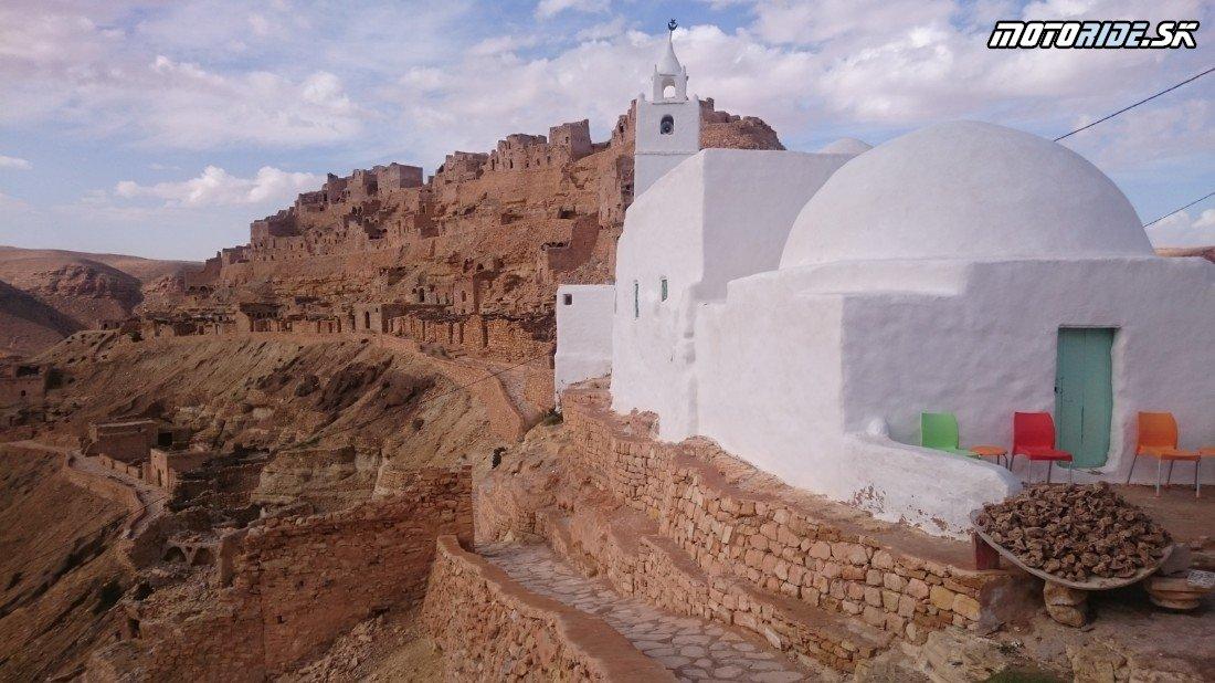 Ksar Oued Soltane, Ksar Debab a skalné mesto Chenini - Naživo: Na Afrikách do Afriky - Africa Twin Tunisia Adventure