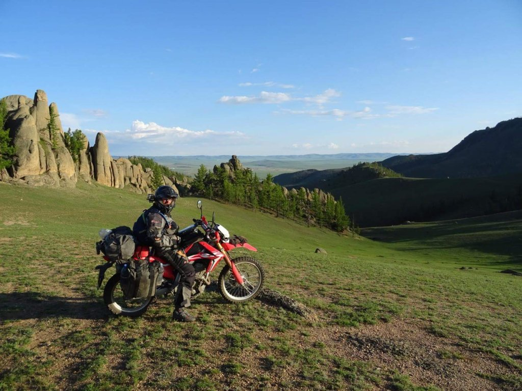 CRF rider. Asi jediná moja fotka na motorke