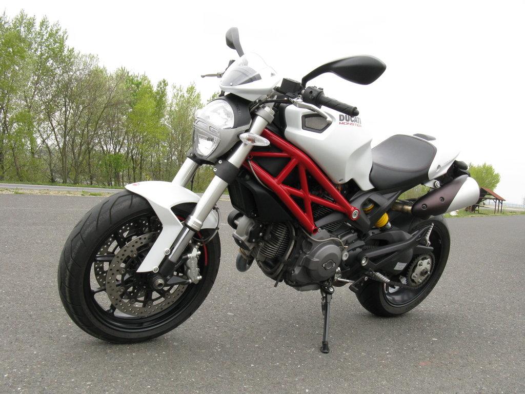 15.04.2012 09:53 - Prečo vstúpiť druhýkrát do tej istej rieky – Ducati Monster 796