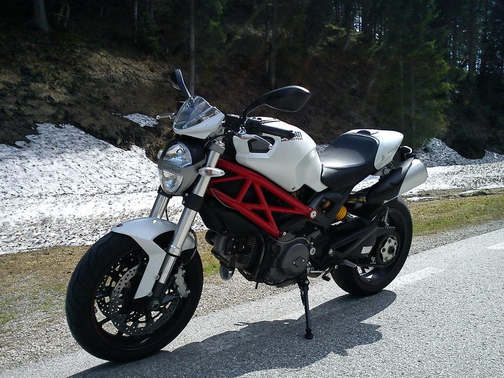 08.05.2012 15:49 - Prečo vstúpiť druhýkrát do tej istej rieky – Ducati Monster 796