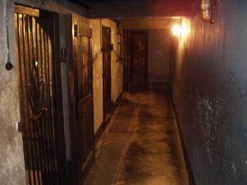 Podzemné väzenie