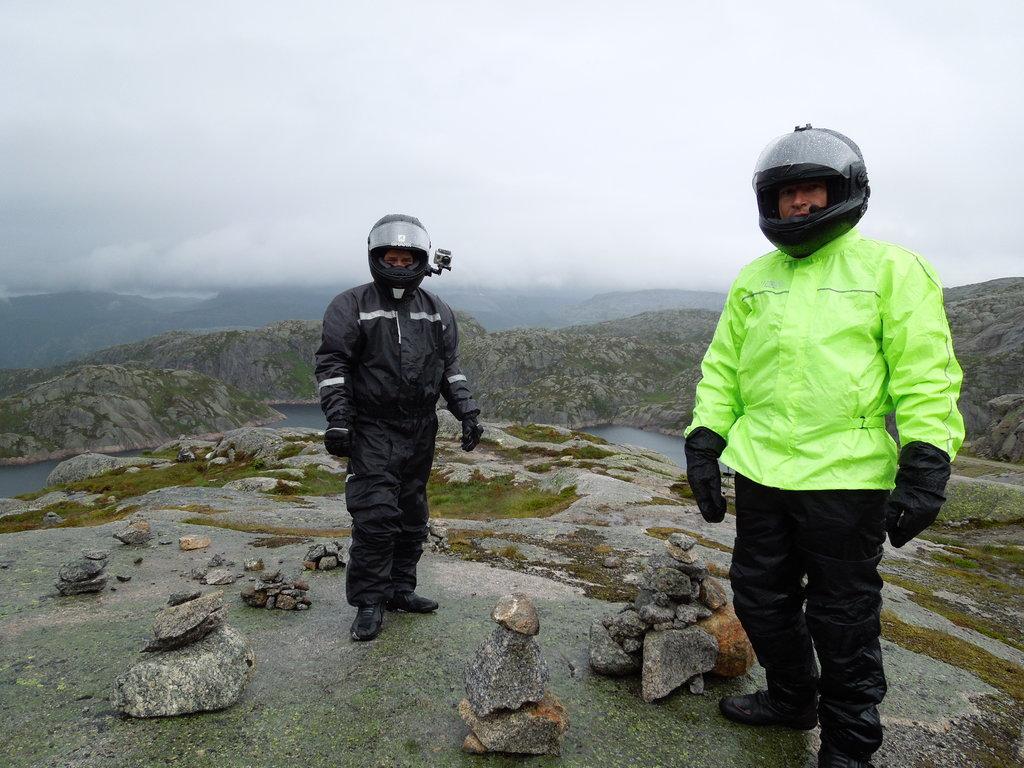 Nad Lysebotn fjord