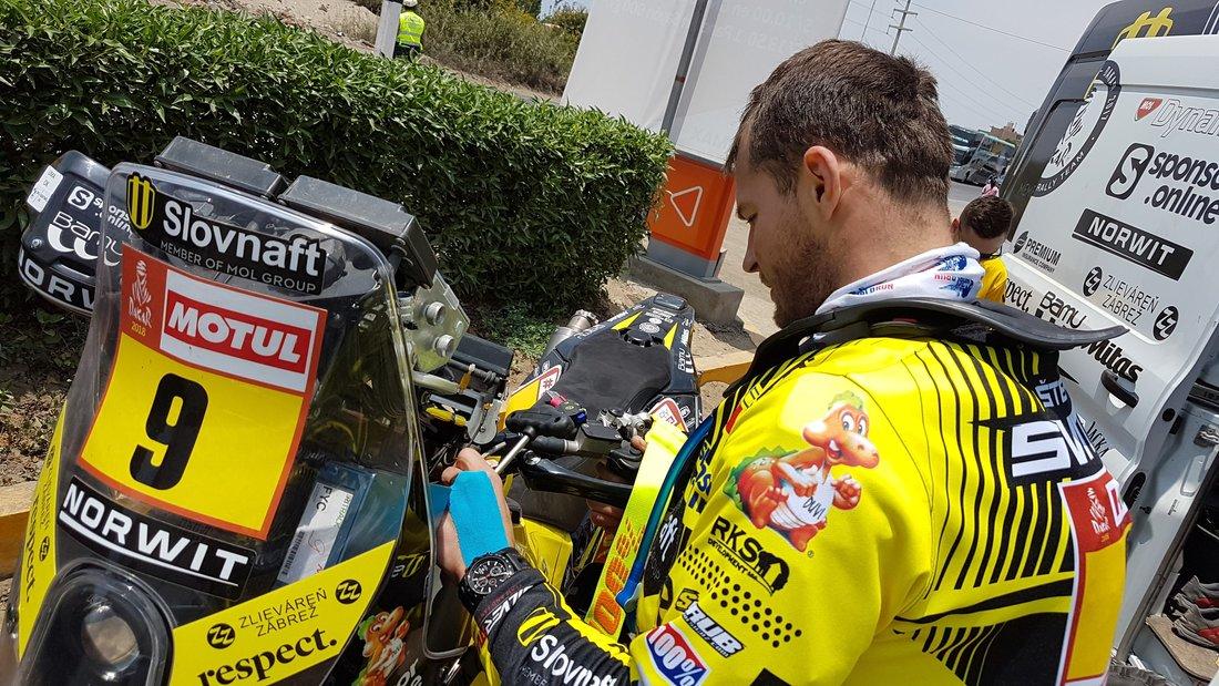 Tankovanie v 1. etape - Dakar 2018