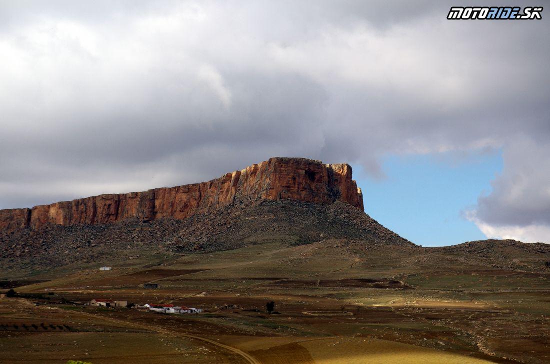 Table de Jugurtha - stolová hora 1271 m.n.m - Na Afrikách do Afriky - Tunisko