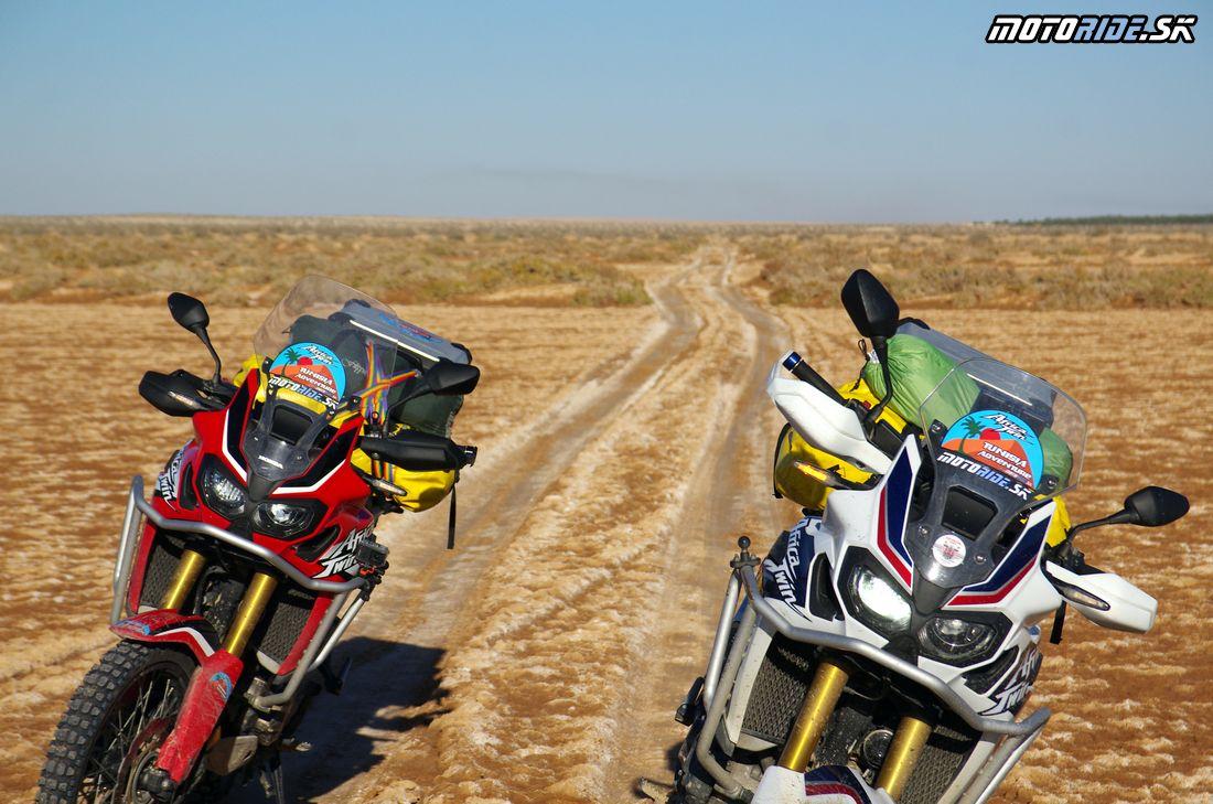 Chott el Djerid - soľné jazero - Na Afrikách do Afriky - Tunisko