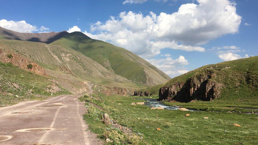 cestou z Karakol Ashu pas