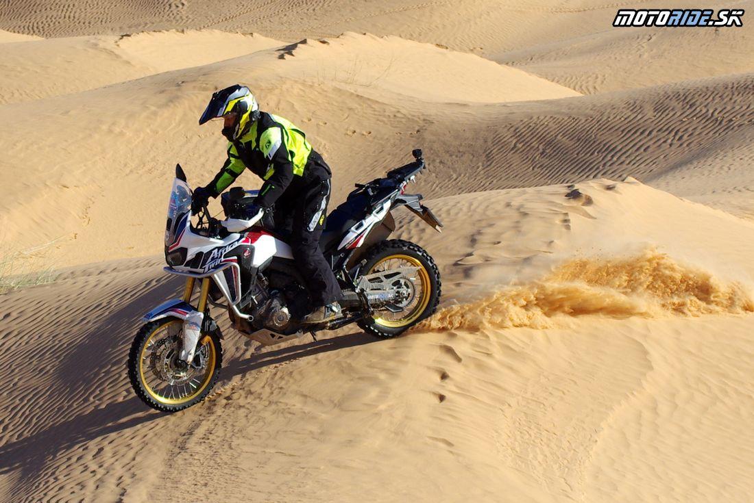 Duny cestou na stolovú horu El Mida - Na Afrikách do Afriky - Tunisko