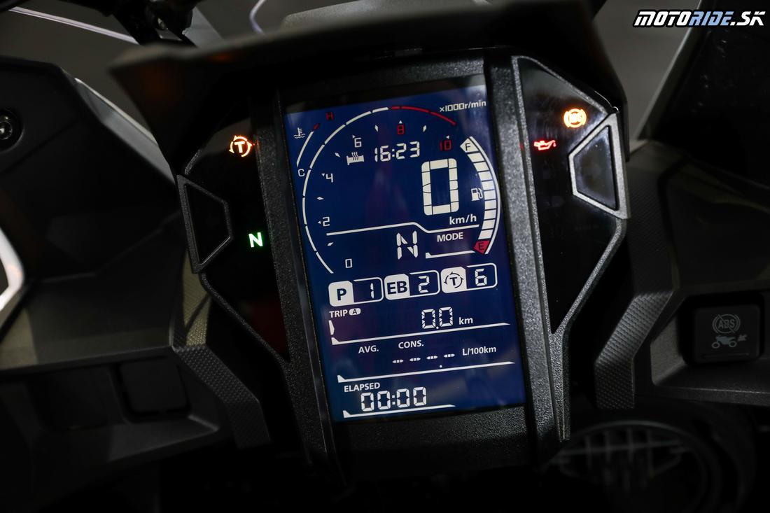 P - Power / výkon, EB - Engine Brake / brzdenie motorom, T - Trakčná kontrola - Honda CRF1000L Africa Twin Adventure Sports 2018