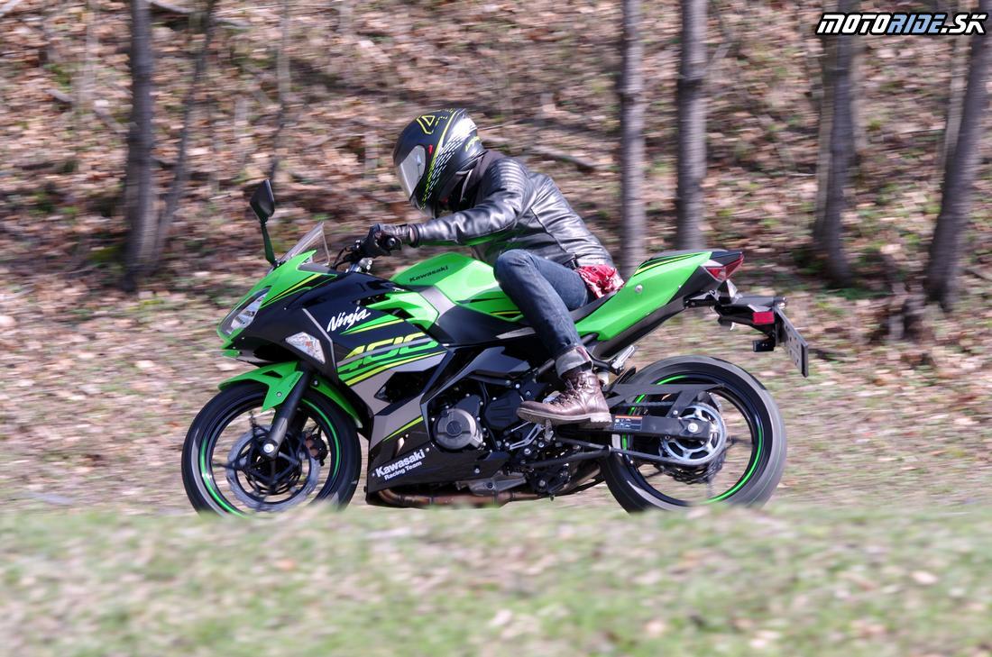Nová Kawasaki Ninja 400 2018 v našich pazúroch - nedali sme jej vydýchnuť