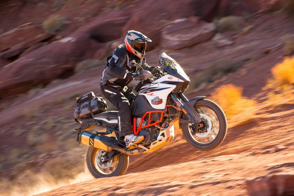 Oblečenie na adventure motorku Badlands Pro KLIM