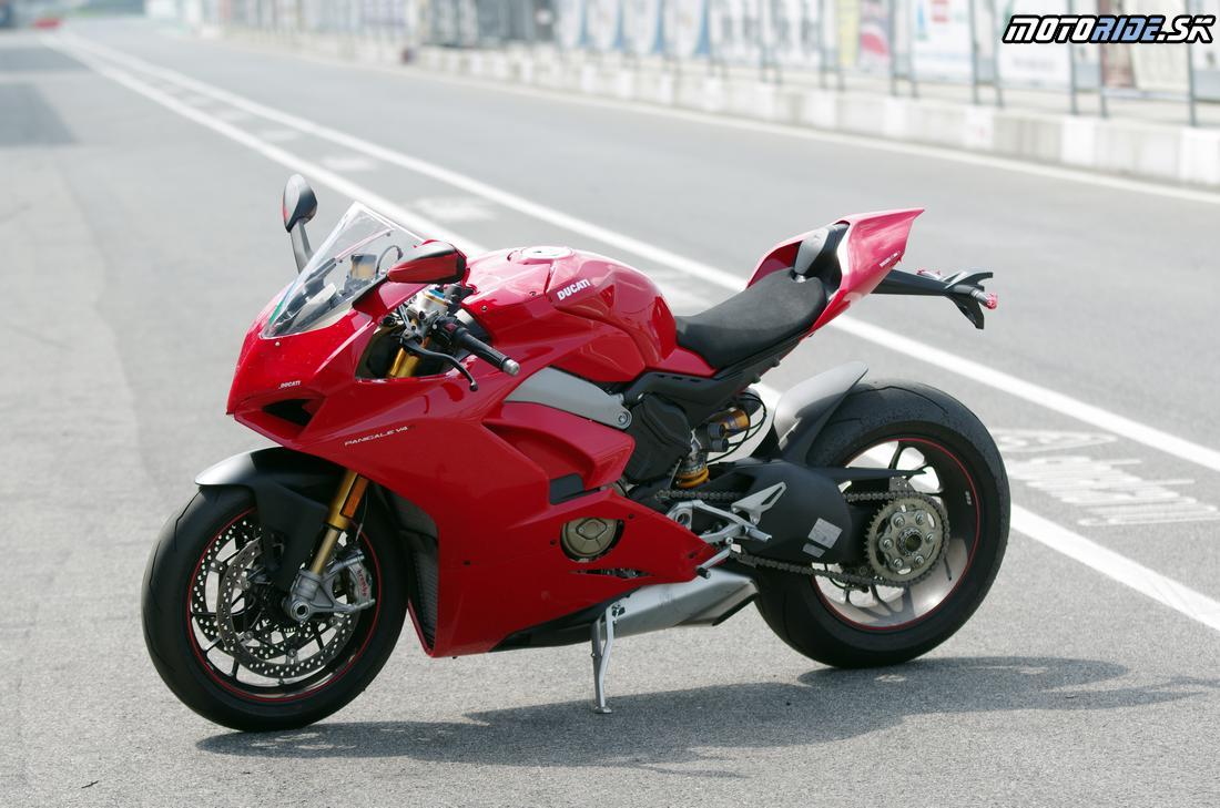 Prvý test Ducati Panigale V4 S 2018 - nová superbike kráľovná na Slovakia ringu