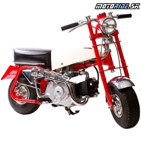 Honda Monkey 1961 Prvý model – vyrobený pre zábavné parky, mal 5-palcovými kolesá, sklopným riaditka, nemal odpruženie a motor 49 cm3 mal výkon 3,1kW.