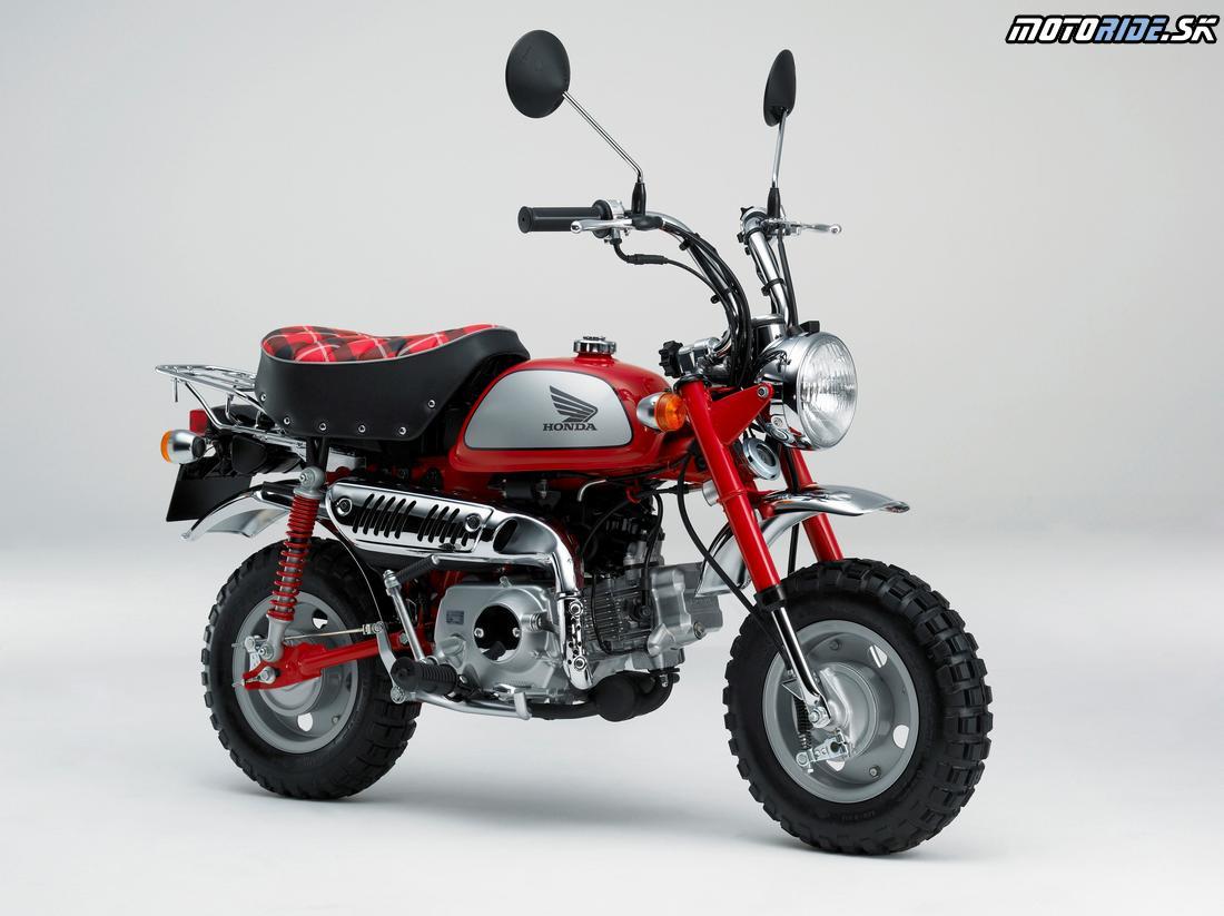 Honda Monkey 2009 - Monkey Ltd. Prvá verzia s elektronickým vstrekovaním paliva, valčekovým vahadlom a predsunutým valcom