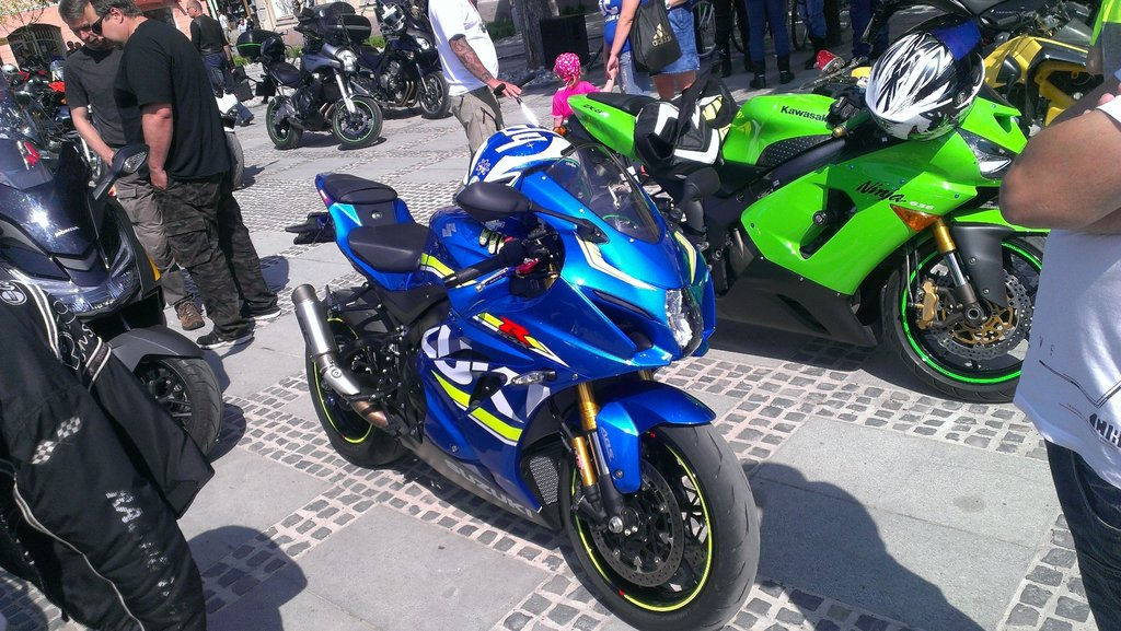 MotoGP farby jej pristanú