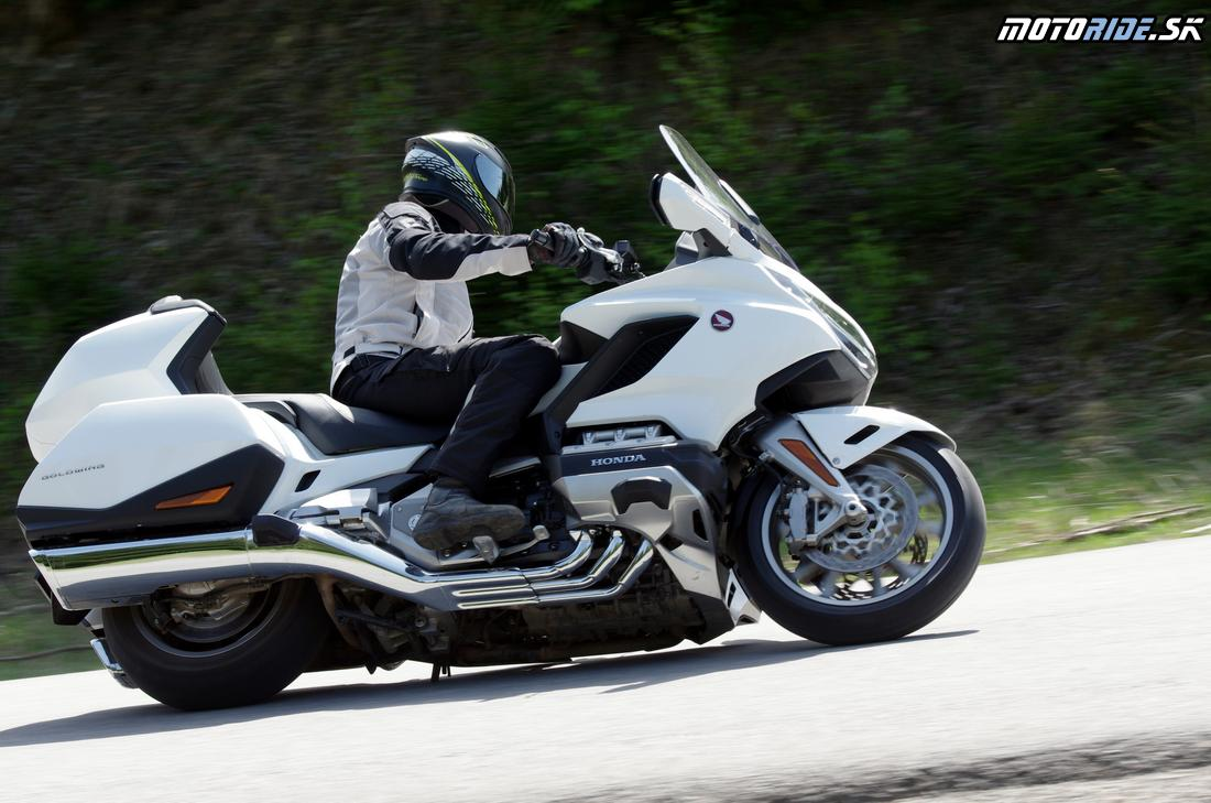 King of the road two times - test Honda GL1800 Gold Wing Tour 2018 manuál aj automat