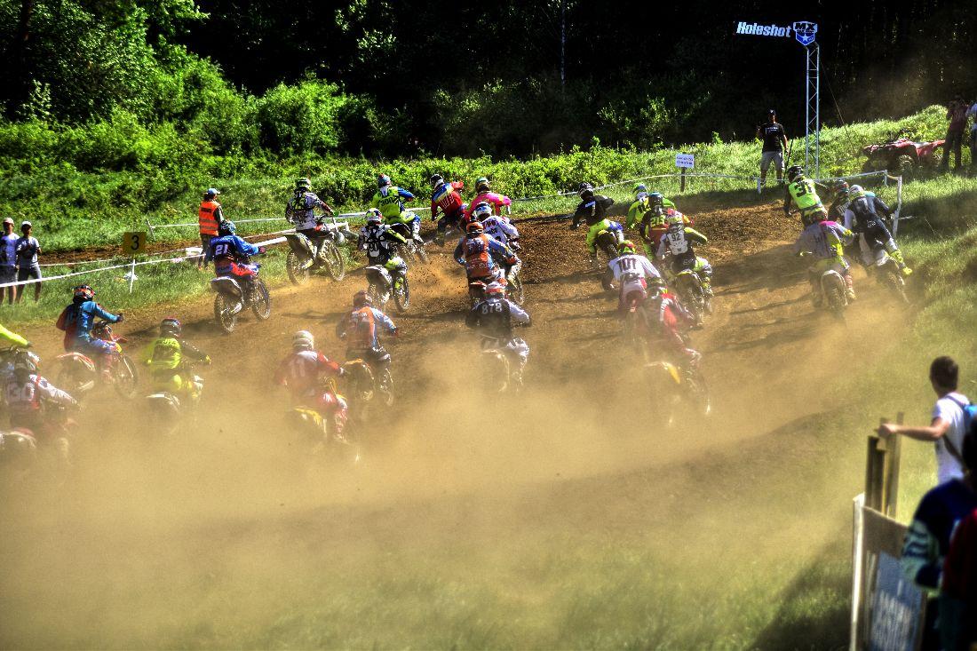 Druhé kolo ESX CUP Spišské Vlachy vypálilo výborne: pre jazdcov aj pre divákov