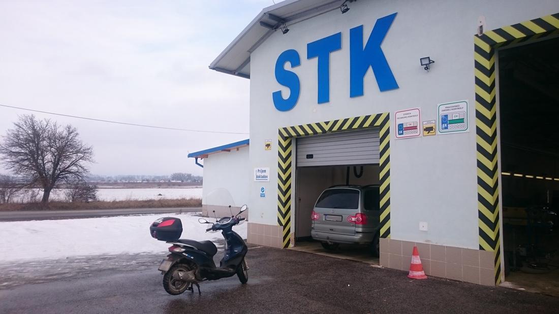 Pod hrozbou vysokej pokuty sme nútení STK vykonať aj v zimnom období...
