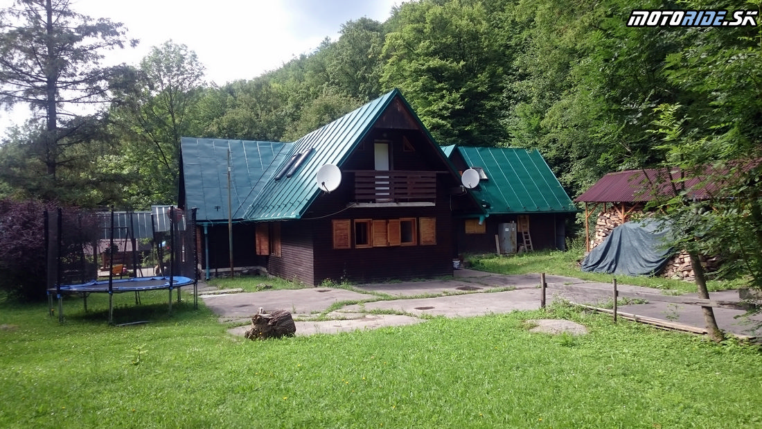Priestor na stany nad chatou - Chata pod Končitou, Kamenec pod Vtáčnikom