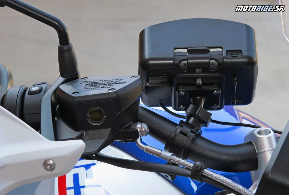 Recenzia motocyklovej navigácie Navitel G550