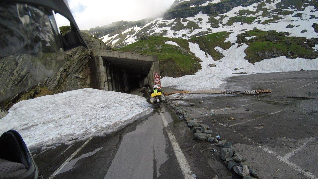 Tunel na vrchu Transfagarasanu