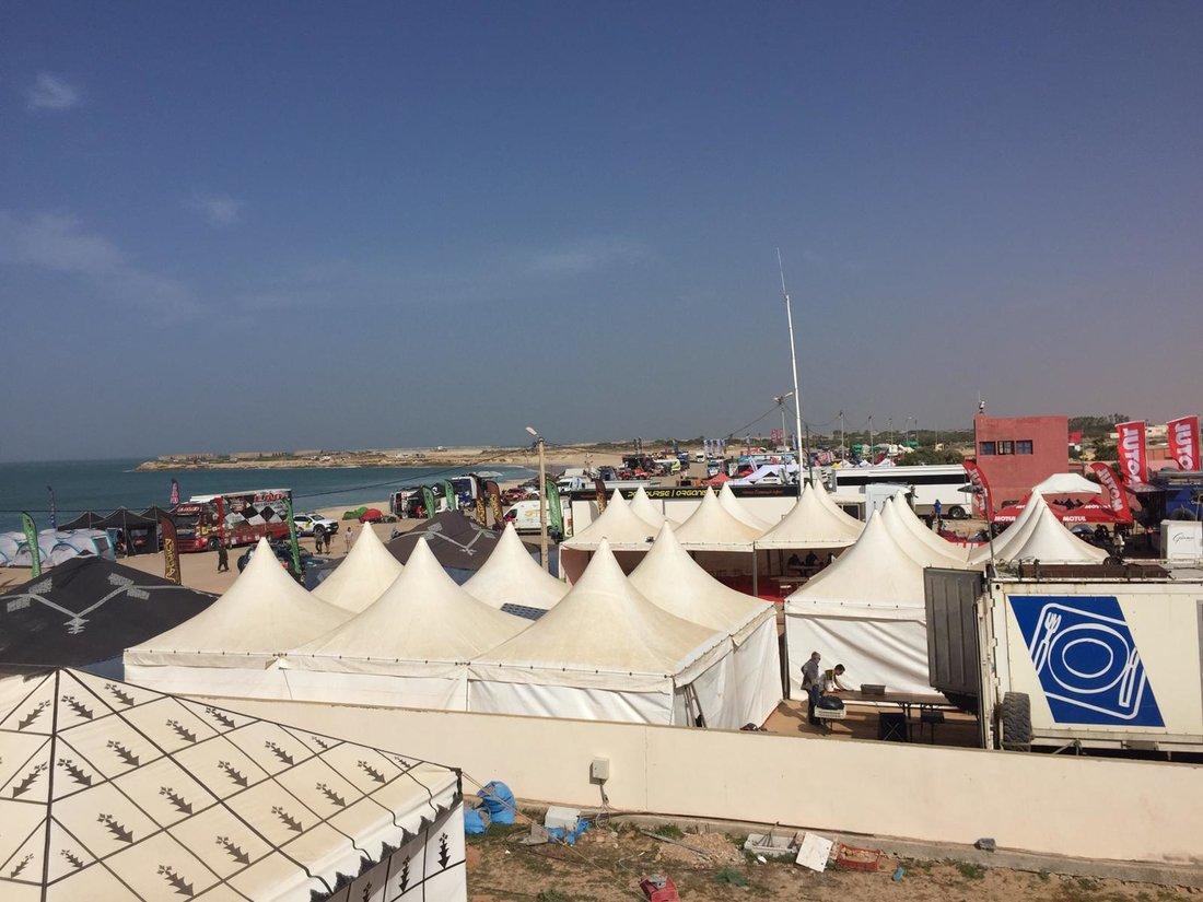 Dhakla - deň voľna - Africa Eco Race 2019 – Maťo Benko naživo