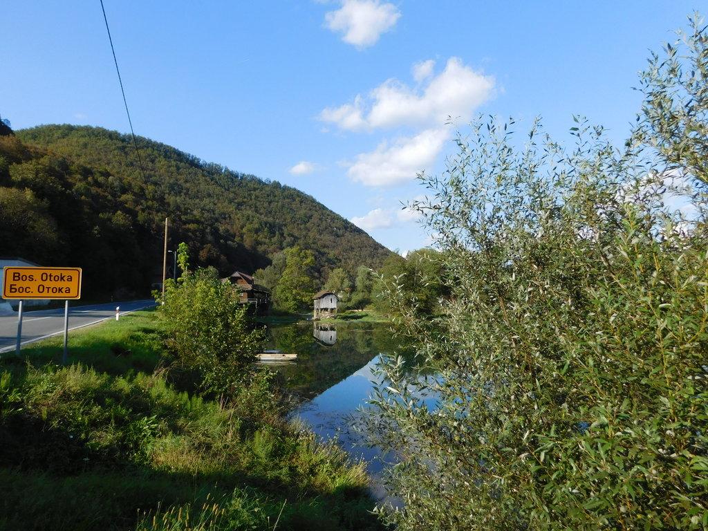 južne od Bosanska Otoka