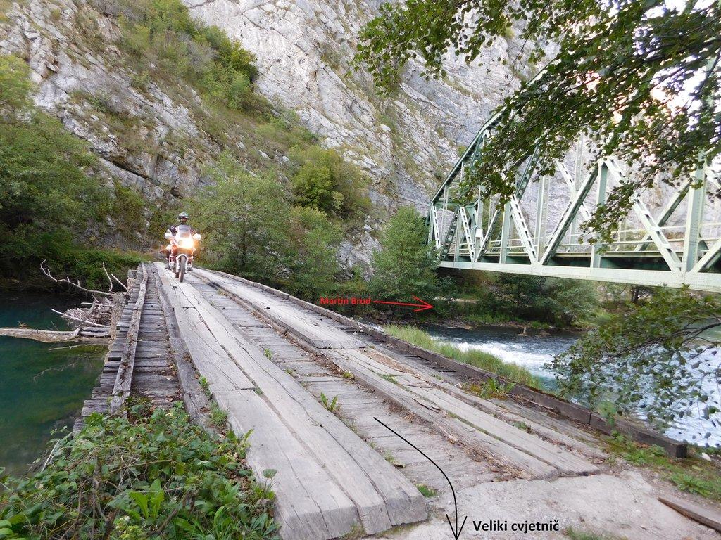 provizórni most cez rieku Una