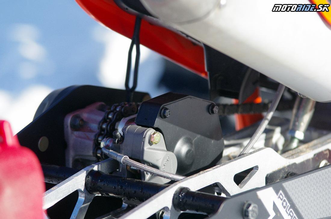 Brzda na páse - KTM 500 EXC s kitom Polaris Timbersled - Mega zábava snow bike na na snehu - Camso DTS 129
