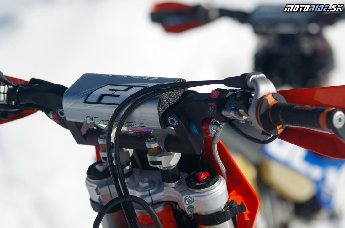 Odpružene riaditka Flexx Handlebar - KTM 500 EXC s kitom Polaris Timbersled - Mega zábava snow bike na na snehu - Camso DTS 129