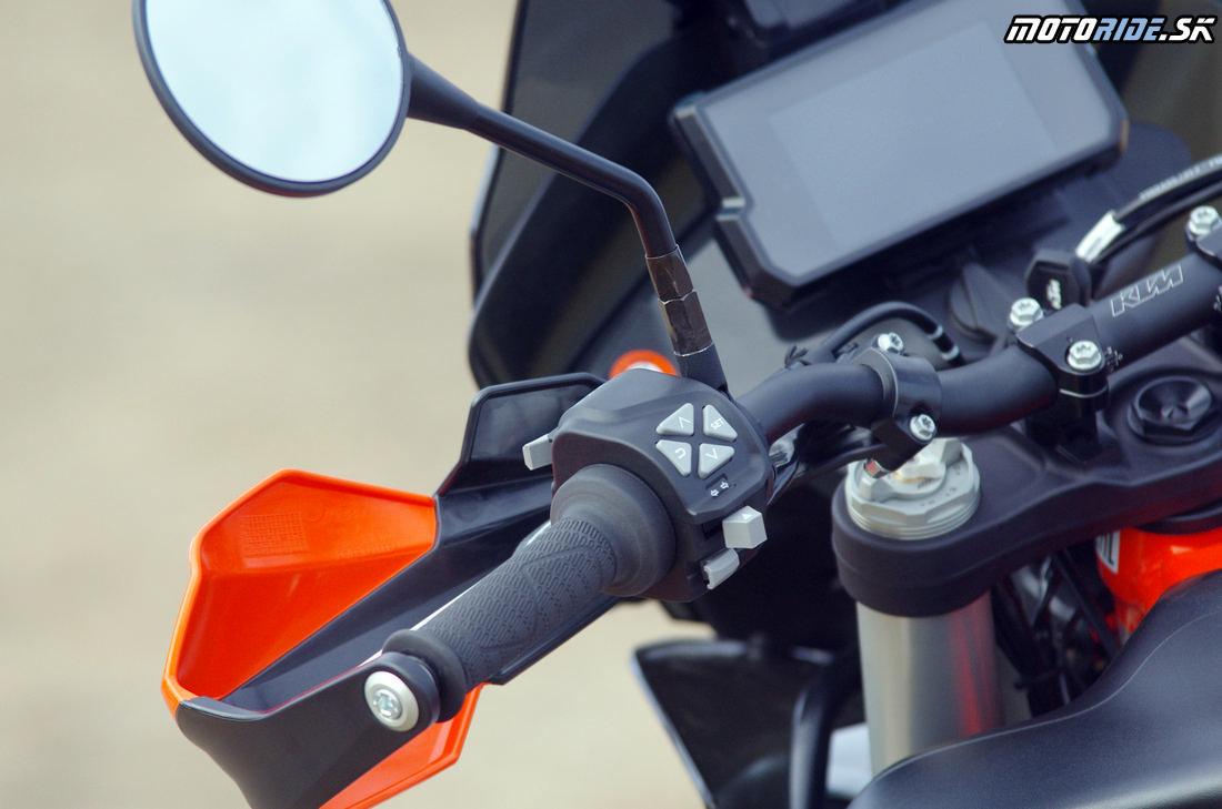 Kvaltiné chrániče rúčok - KTM ovládanie prístrojovky - Prvé dojmy z jazdy na KTM 790 Adventure R 2019
